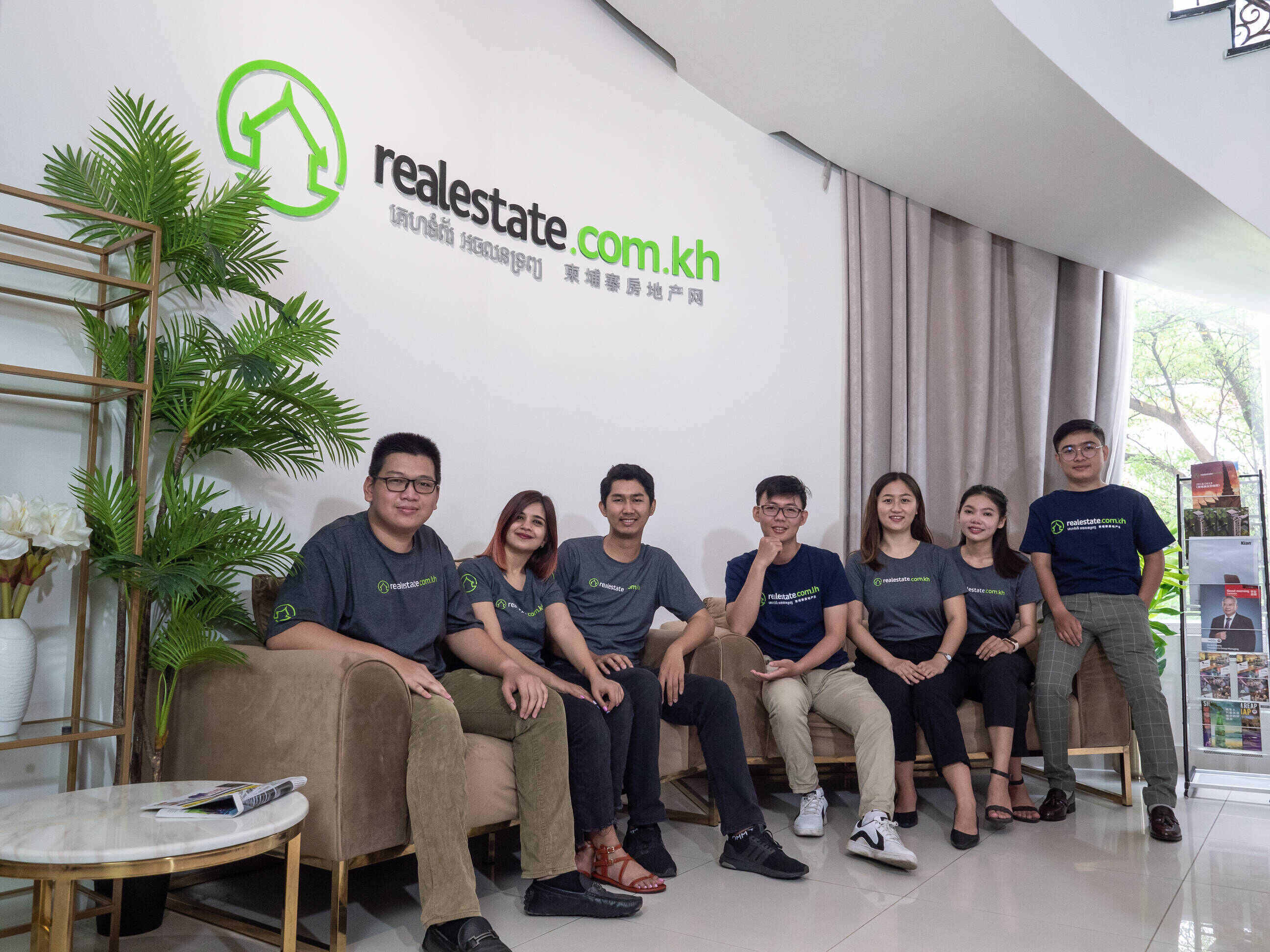 https://www.realestate.com.kh/static/img/about/our-team-4.jpg